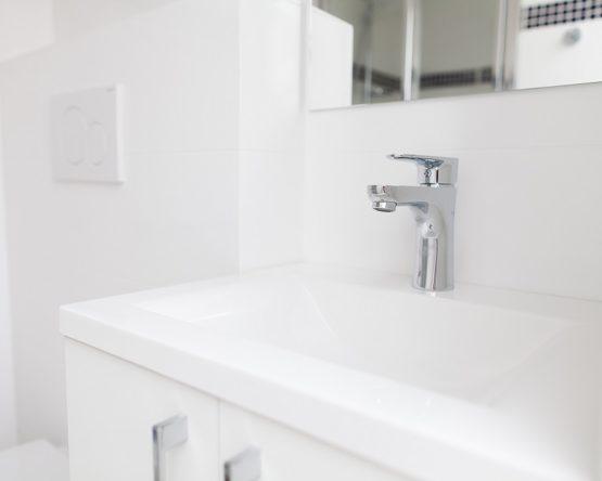 Robinet moderne salle de bain